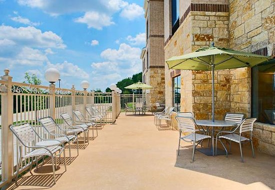 Mansfield, TX: Back Patio