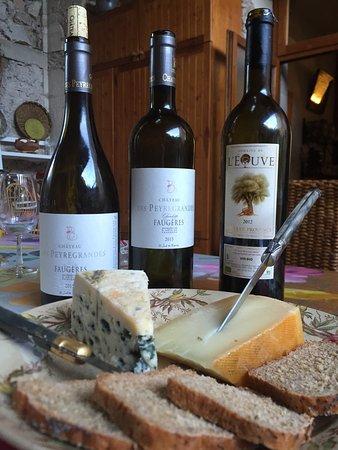 Domaine De Brousson: Ostar är ett måste med ekologiska viner till!