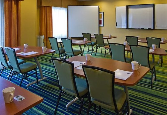 Fairfield Inn & Suites San Antonio Boerne : Meeting Room