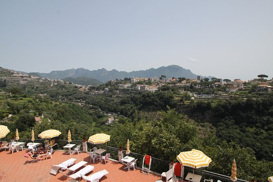 Caruso Limo Private Day Tours: Lunch at Scala