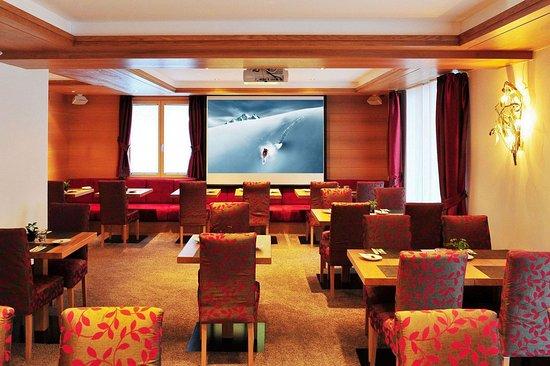 Hotel Aristella swissflair: TV/Meeting room