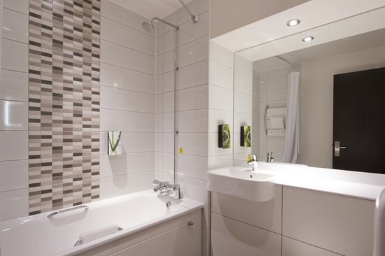 Premier inn uxbridge hotel bewertungen fotos preisvergleich england tripadvisor Premiere bathroom design reviews