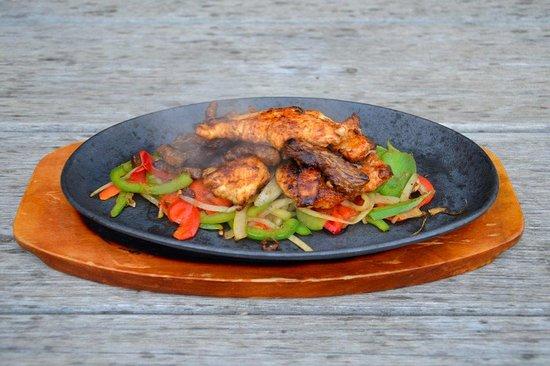 Ocean Grove, Australia: Chicken and Beef Fajitas