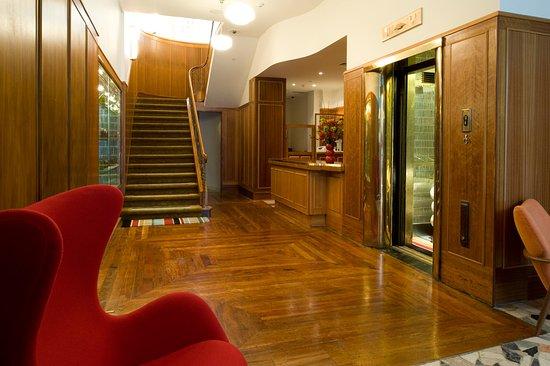 Hotel DeBrett: Lobby