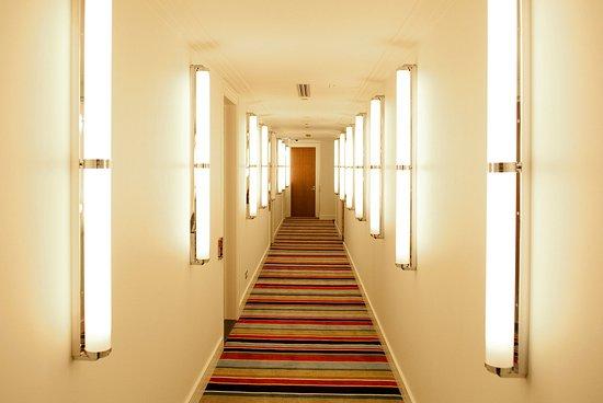 Hotel DeBrett: Corridor