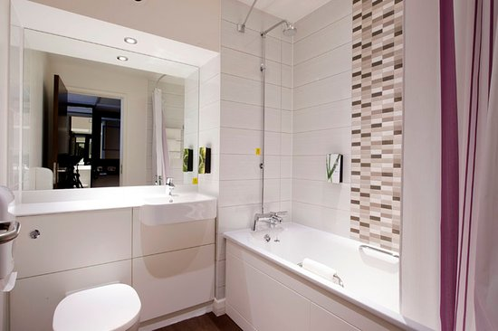 Premier inn london archway updated 2017 hotel reviews price comparison tripadvisor Premiere bathroom design reviews