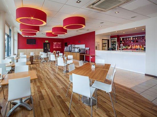 Borehamwood, UK: Bar Cafe
