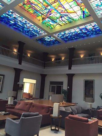 Parador de Vic-Sau: הלובי במלון