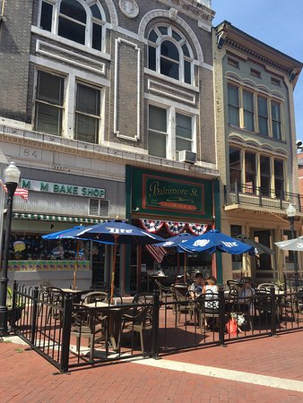 Cumberland, MD: Outside seating