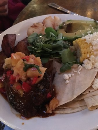 Stone Harbor, NJ: Barbacoa deal mar..scallops and short ribs...delish