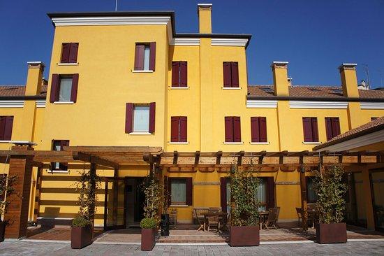 호텔 빌라 코스탄자