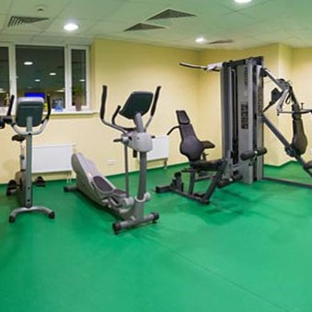 SunFlower Park Hotel: KPGymroom