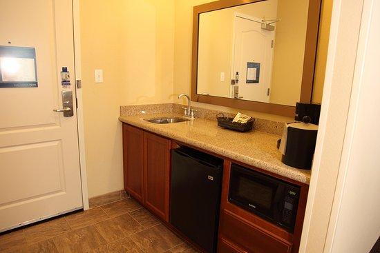 บาสทรอป, เท็กซัส: Suite Bar Area