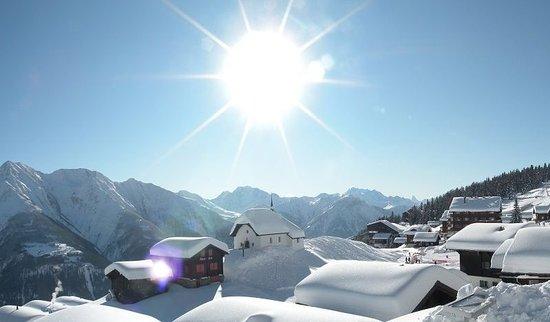 เบตต์เมราล์ป, สวิตเซอร์แลนด์: Exterior