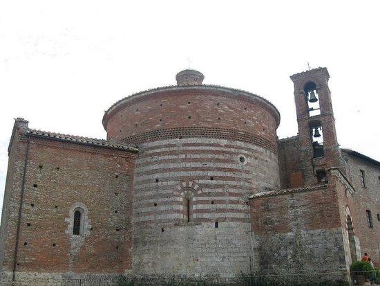 Кьюсдино, Италия: esterno