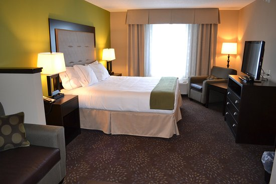 Northwood, IA: Our King Suites feature a sofabed, microwave and refrigerator