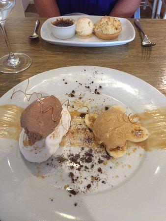 Chipping Norton, UK: Desserts yum....
