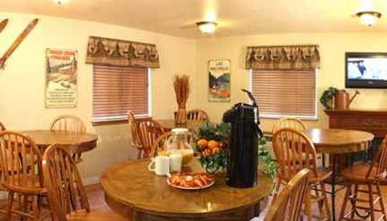 FairBridge Inn & Suites - Sandpoint: Breakfast Areaneweb