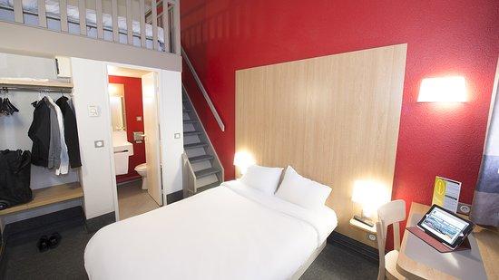 b b hotel tours sud jou l s tours france voir les tarifs et 56 avis. Black Bedroom Furniture Sets. Home Design Ideas