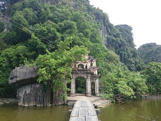 Bich Dong Pagoda