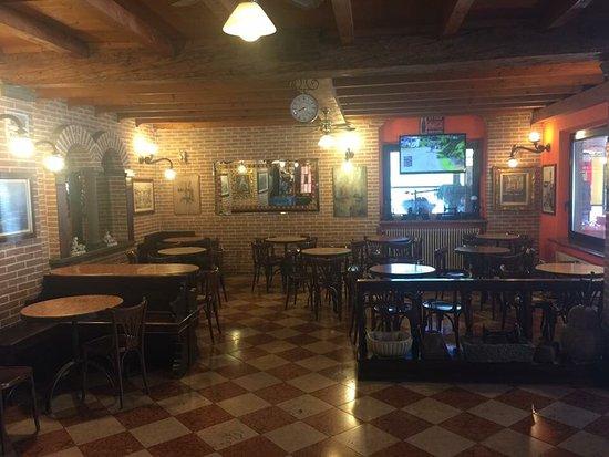 Zogno, Italia: Caffè Roma