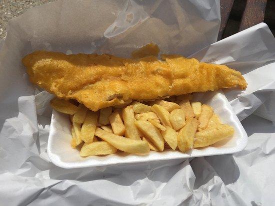 "Dymchurch, UK : Haddock & ""large"" chips £6"