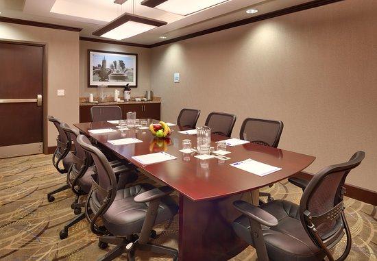 โอเวอร์แลนด์พาร์ค, แคนซัส: Boardroom-The Holiday Inn Express & Suites, Overland Park, KS