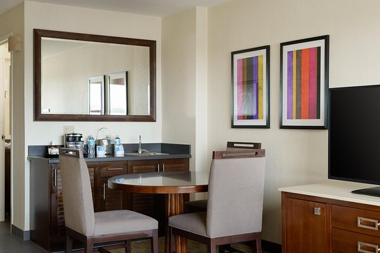 Culver City, CA: One Bedroom Suite Table