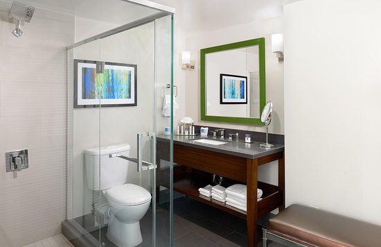 Culver City, CA: One Bedroom Suite Bath