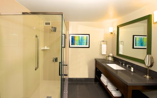 Culver City, Californië: Suite Bathroom