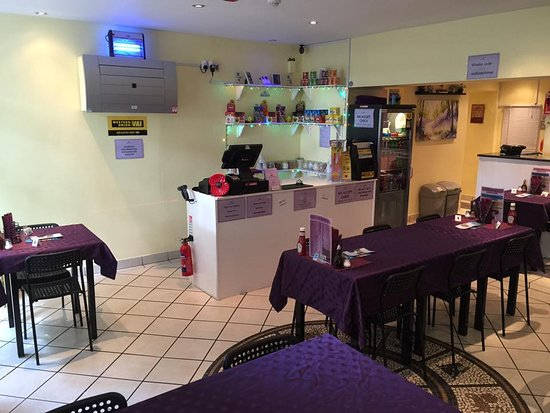 Conisbrough, UK: Till and Cyber Dining Area....