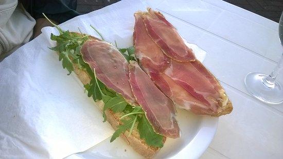 Verghereto, Italien: panino crudo e rucola