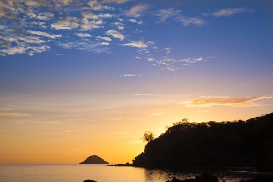 Castaway Island (Qalito), Fiyi: Sunset on the back of the island