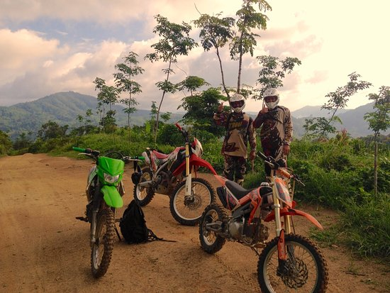 Chalong, Tailandia: Dirt trail riding in Thailand with guide