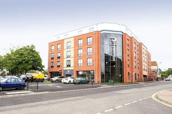 Premier Inn Basingstoke Town Centre Hotel