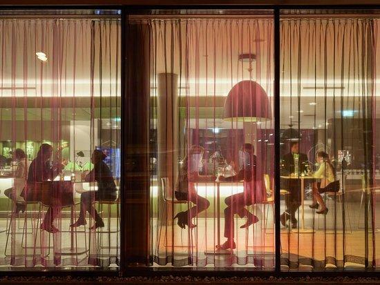 Roomz Graz Budget Design Hotel: 24h-Bar