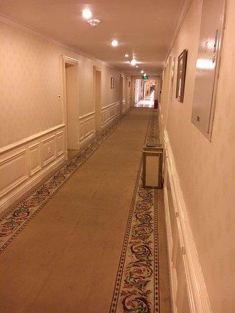 Laffitte Castle Hotel