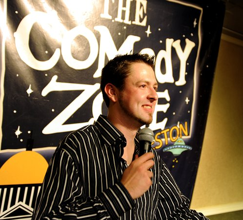 Charleston, Virginia Occidental: The Comedy Zone offers a great show every weekend!