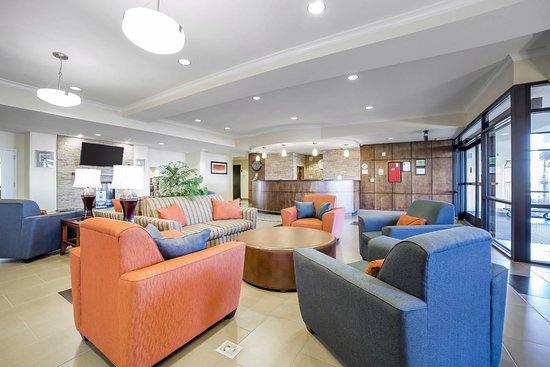 Tooele, UT: Lobby Seating