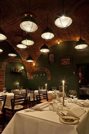 Victory Hotel: Restaurant