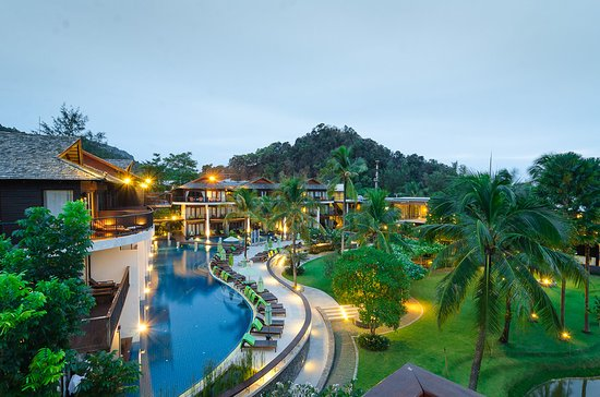 Holiday Inn Resort Krabi Ao Nang Beach: Couple wing building