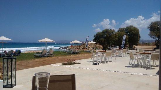 Aptera Beach Resort: Sea view and sunbeds
