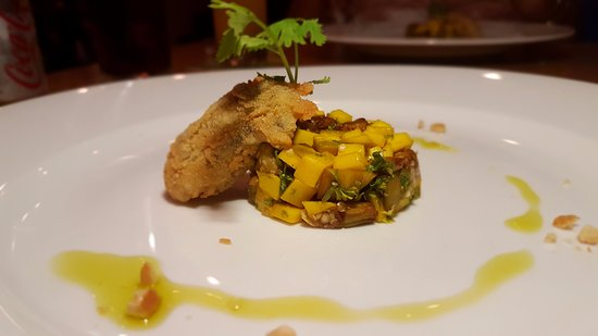Daluva Restaurant And Bar: fried oyster , mango curry and salsa eggplant
