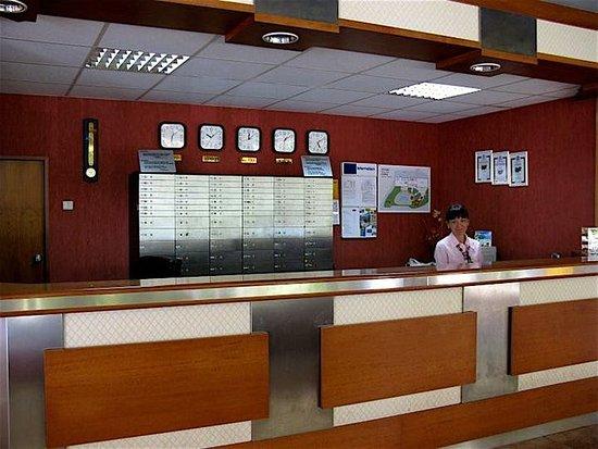 Perla Hotel: Lobby
