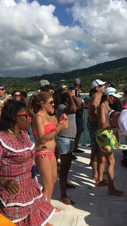 Pryce Taxi and Tours Jamaica Tours: Having fun with Pryce Taxi