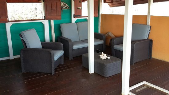 Auriga Ecolodge: New seating area with highly comfortable seats.