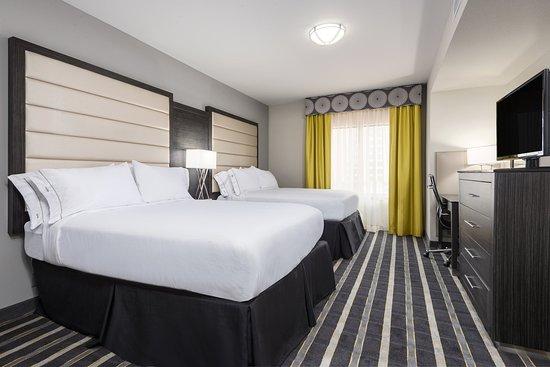 Norman, OK: Standard Double Queen Bed Suite