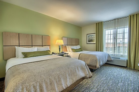 Grove City, OH : Our Two Queen Bed Studio Suite