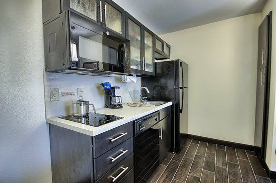 Grove City, OH: Our One Bedroom Suite Kitchen