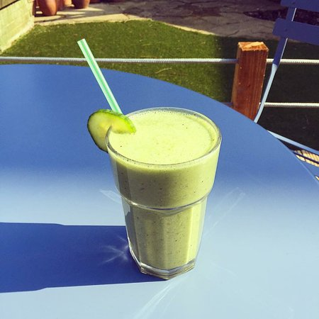 West Sussex, UK: Healthy green juice